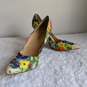 Floral pointed toe heels by GUESS - Size 8M